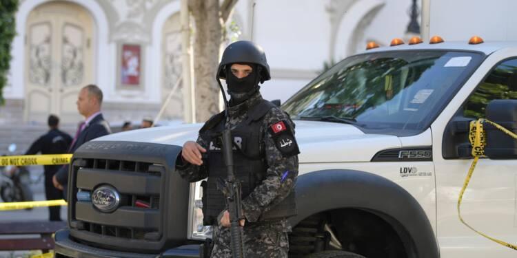 """Attentat de Tunis: un acte """"isolé"""" et """"artisanal"""", selon les autorités"""