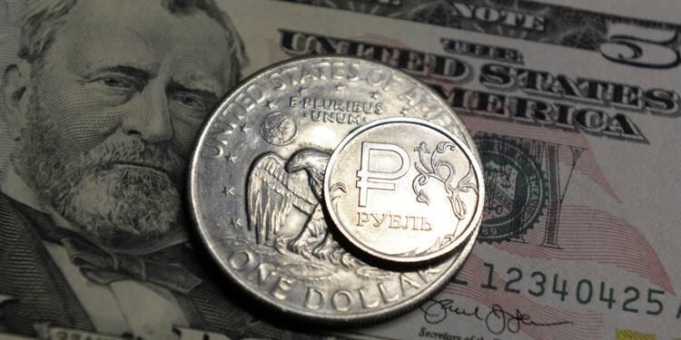 Face aux sanctions, la Russie veut se détacher du dollar