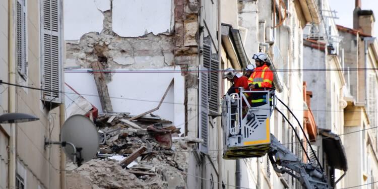 Immeubles effondrés à Marseille: une marche blanche entre tristesse et colère