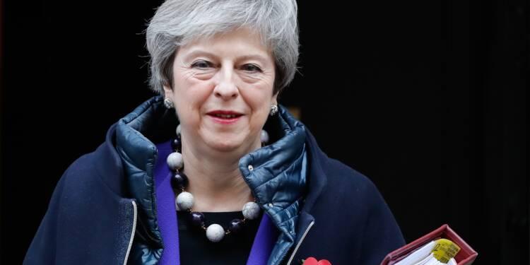 Theresa May réunit son gouvernement, divisé sur le Brexit