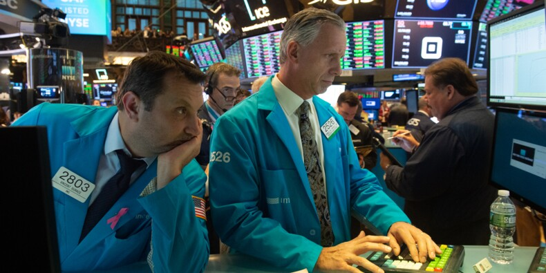 A Wall Street, le Dow Jones creuse ses pertes et chute de 2%