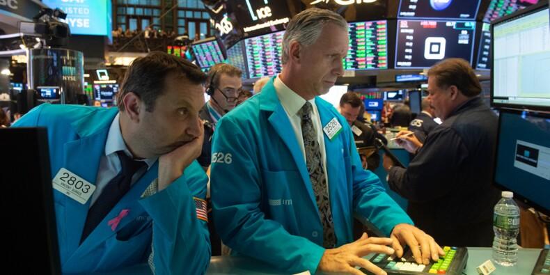 A Wall Street, le Dow Jones creuse ses pertes et lâche 2%
