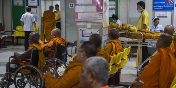 En Thaïlande, les moines rendus obèses par l'afflux d'offrandes sucrées
