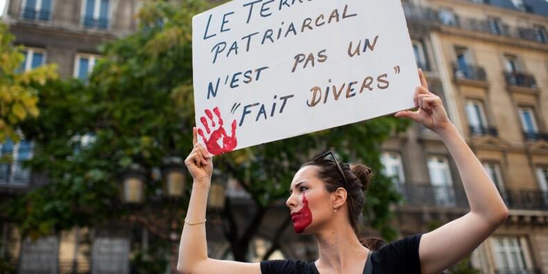 """""""Ras le viol"""": les féministes en nombre dans la rue contre les violences sexistes"""