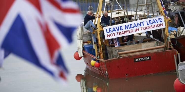 """Brexit: il faut un accord sur la pêche """"bien avant la fin de la transition"""" souligne l'UE"""