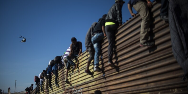 Mexique : la désillusion gagne la caravane de migrants après l'échec du passage en force