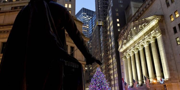 Wall Street recule, décortiquant un rapport sur l'emploi