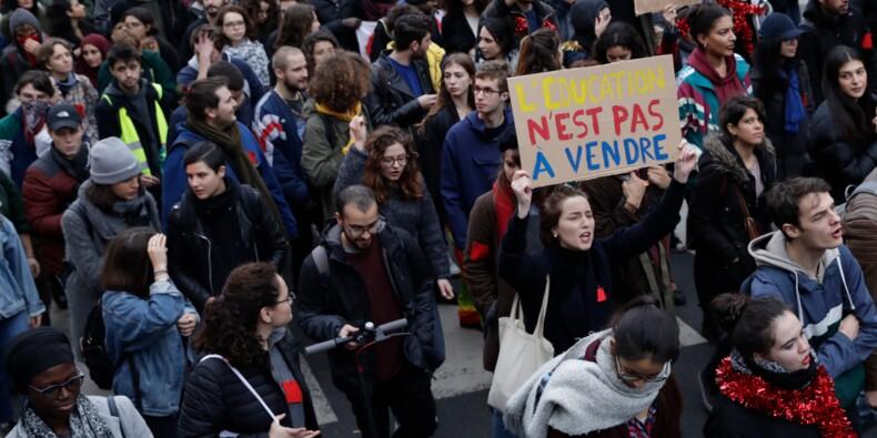 Lycées: 700 interpellations après une nouvelle journée de mobilisation et d'incidents