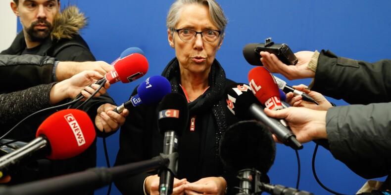 """Routiers: CGT et FO maintiennent la grève en attendant un """"engagement écrit"""" du patronat"""