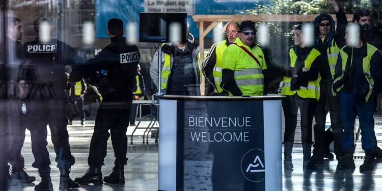 """Gilets jaunes"": la France en alerte rouge"