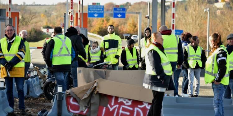 """""""Gilets jaunes"""": nombreux blocages sur les routes et autoroutes en France"""