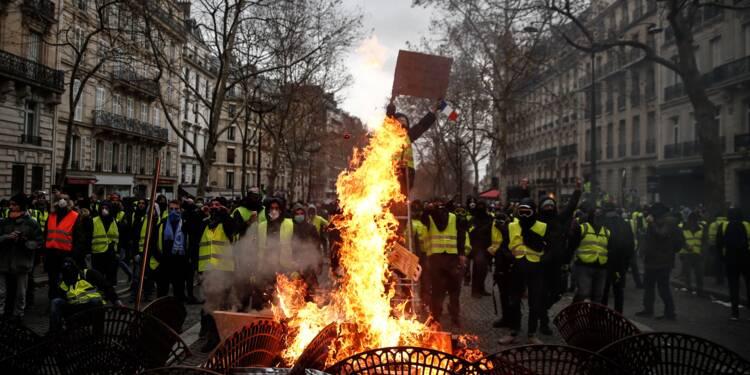 """A Paris, des """"gilets jaunes"""" dépités par les violences"""