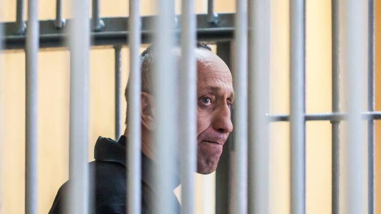 Russie: un ex-policier coupable de 78 meurtres, pire tueur en série de l'histoire récente