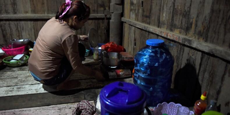 """""""Vendue par mon frère"""": le sort de milliers de jeunes femmes de la région du Mékong"""