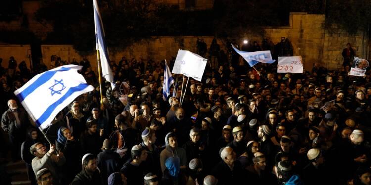 Israël poursuit la traque en Cisjordanie, Netanyahu sous pression