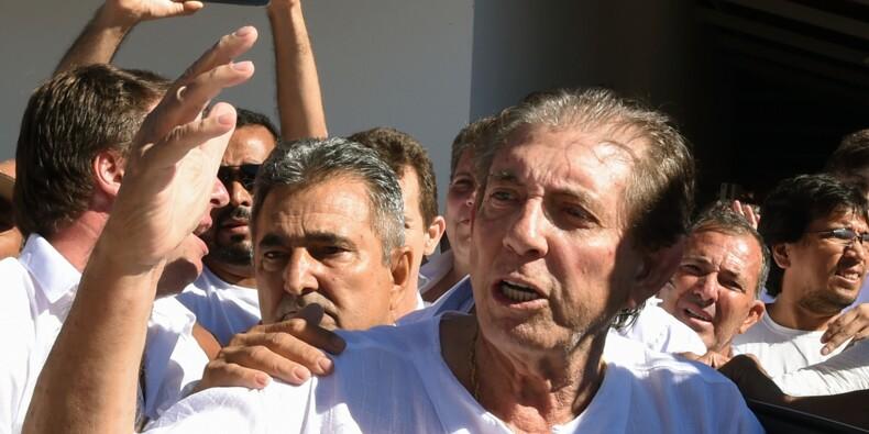Brésil: le médium accusé d'être prédateur sexuel se rend à la police