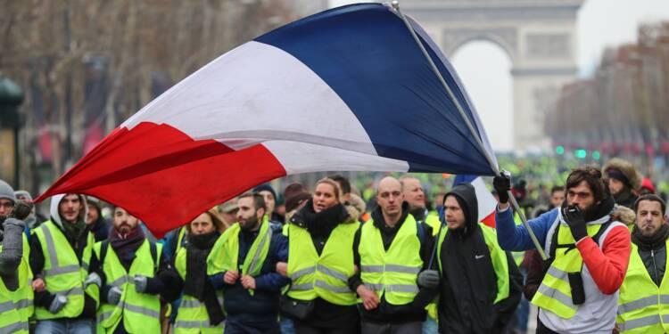 """""""Gilets jaunes"""": l'exécutif détaille ses mesures après une décrue de la mobilisation"""