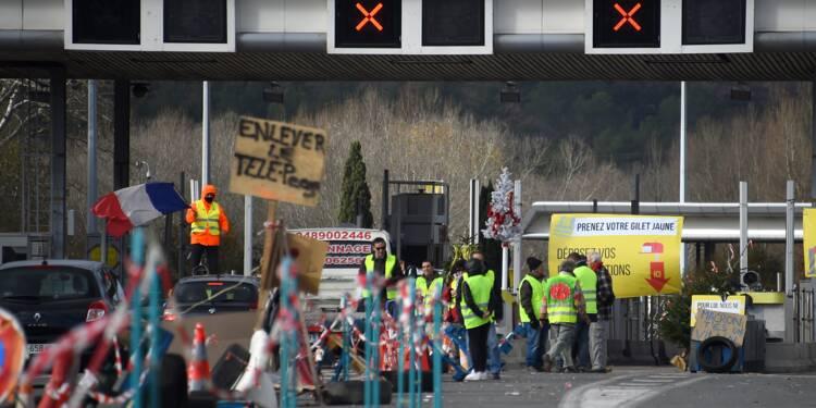 """""""Gilets jaunes"""": Vinci autoroutes déplore """"plusieurs dizaines de millions d'euros"""" de dégâts"""