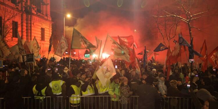 Hongrie: la télé publique, nouvel enjeu de la grogne anti-Orban