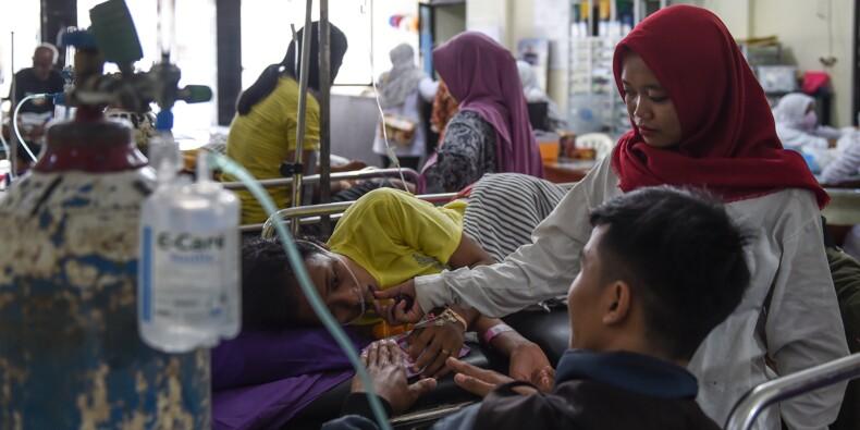 Indonésie: prières et effroi pour les survivants du tsunami dépourvus de tout