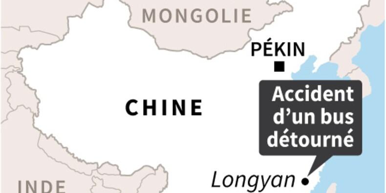 Chine: huit morts dans l'accident d'un bus détourné
