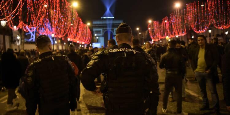 La France réveillonne sous haute surveillance