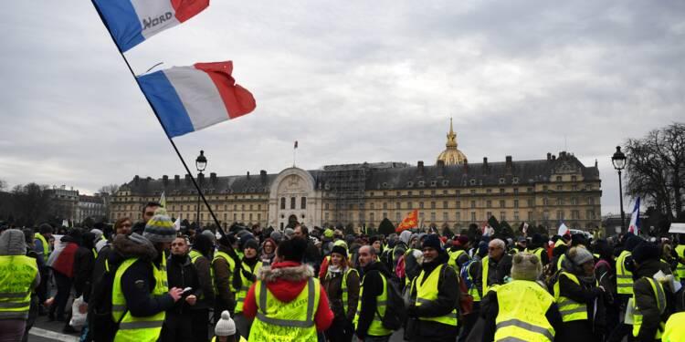 """""""Choose France"""": l'opération de séduction de Macron contrariée par les """"gilets jaunes"""""""