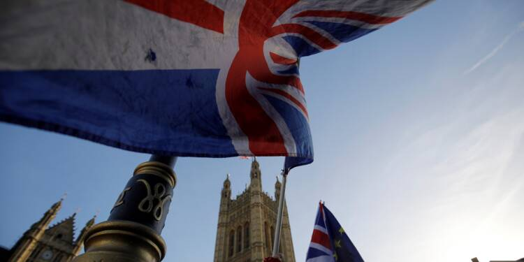 Royaume-Uni: éclaircie économique en plein brouillard du Brexit