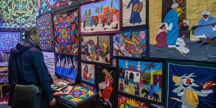 """Au Caire, les derniers artisans de l'ancestral """"khayamiya"""" égyptien"""