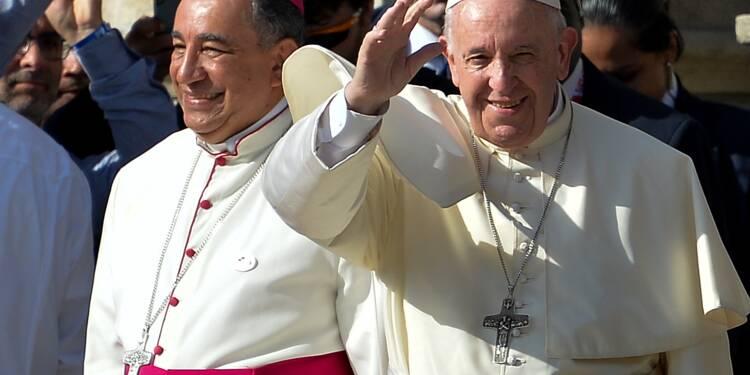 """Scandales de pédophilie: le pape reconnaît que l'Eglise """"n'a pas su écouter"""""""