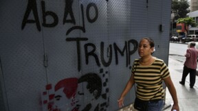 Venezuela: Washington accentue la pression sur Maduro, qui riposte