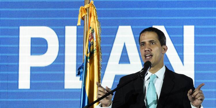 Venezuela: Guaido legitime pour organiser des présidentielles, selon Le Drian