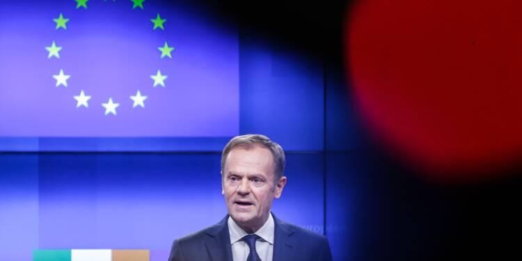 """Donald Tusk voit """"une place spéciale en enfer"""" pour les promoteurs du Brexit"""