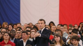 Macron exhorte les jeunes à se saisir du grand débat