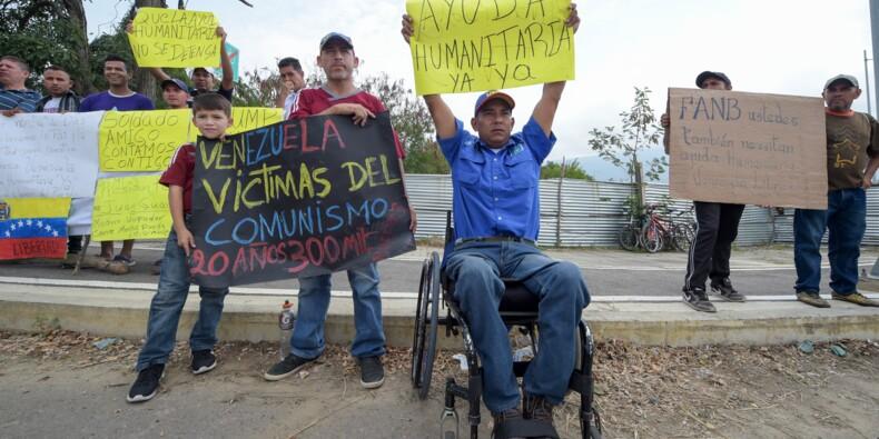 Les Vénézuéliens à la frontière prient l'armée de laisser passer l'aide humanitaire