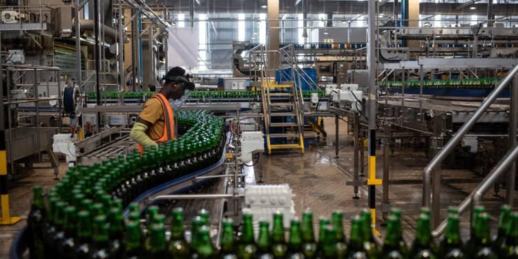 """""""La guerre de la bière"""": les brasseurs à l'assaut du marché nigérian malgré les difficultés"""