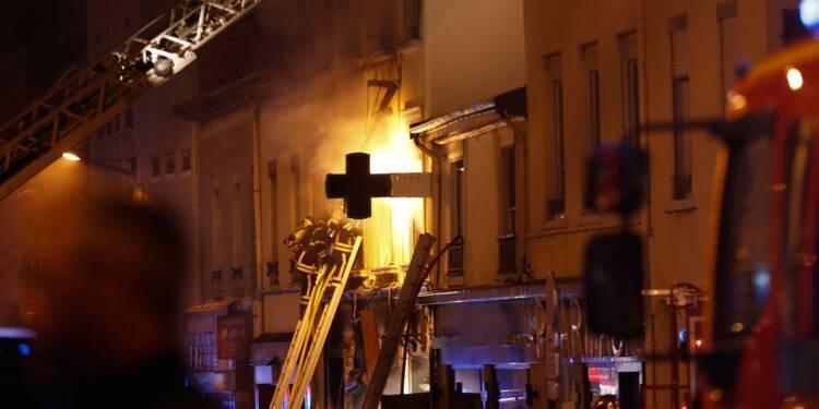 Une femme et un enfant périssent dans un incendie à Lyon, la piste criminelle privilégiée