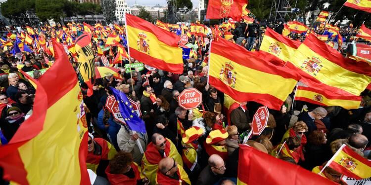 Espagne: la droite et l'extrême droite dans la rue contre Pedro Sanchez