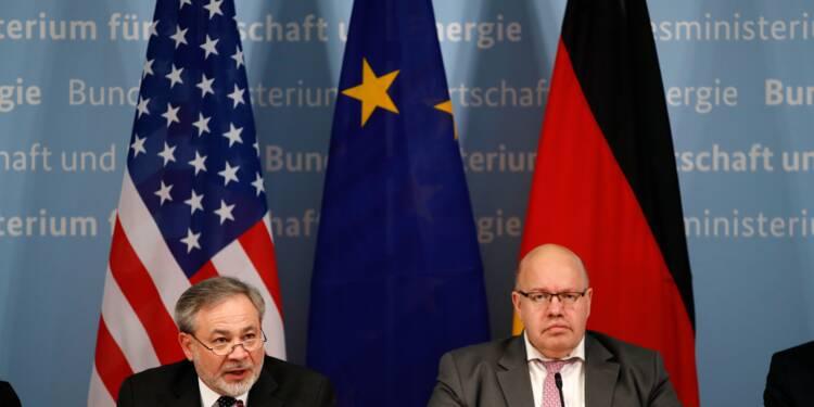 Tancée sur le gaz russe, Berlin fait un grand pas vers le GNL américain