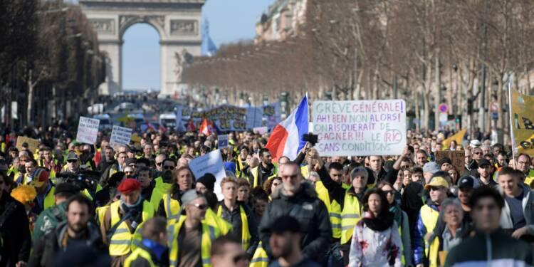 """Nouvelle mobilisation des """"gilets jaunes"""" dans les rues de Paris"""