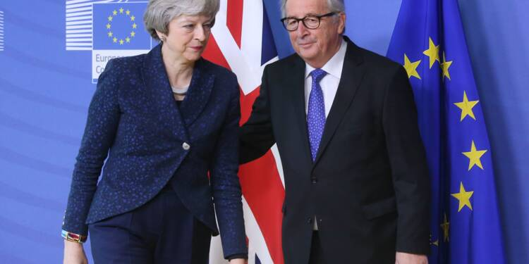 Brexit : Theresa May va tenter d'amadouer Bruxelles sur l'accord de divorce
