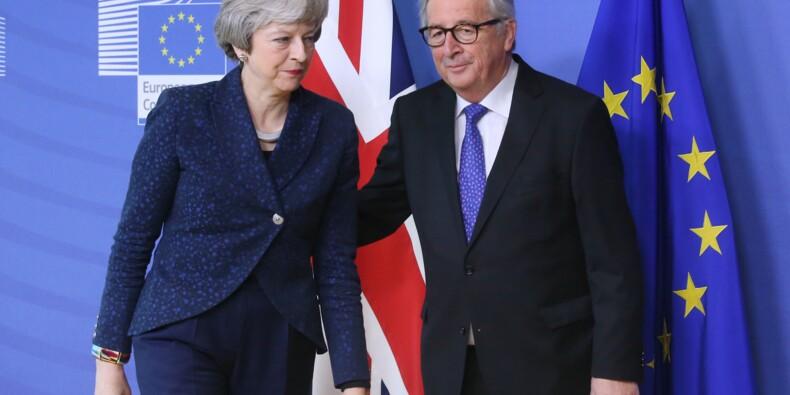 Brexit : Theresa May va tenter d'amadouer Bruxelles sur l'accord de divorce