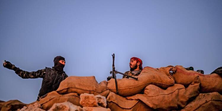 Syrie: des camions transportant hommes, femmes et enfants quittent la poche de l'EI (AFP)