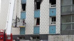 Aulnay-sous-Bois: un mort et deux pompiers grièvement blessés dans un incendie