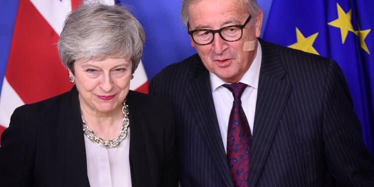 """Brexit: des """"progrès"""" avec l'UE selon May, mais toujours pas de solution"""