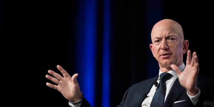 Bezos reste n°1 au classement des plus riches, Trump gagne quelques places