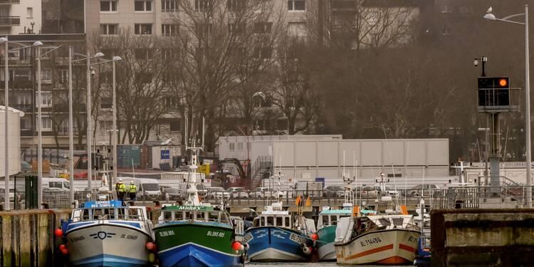 """A Boulogne-sur-Mer, les pêcheurs dans la """"tourmente"""" et le flou du Brexit"""
