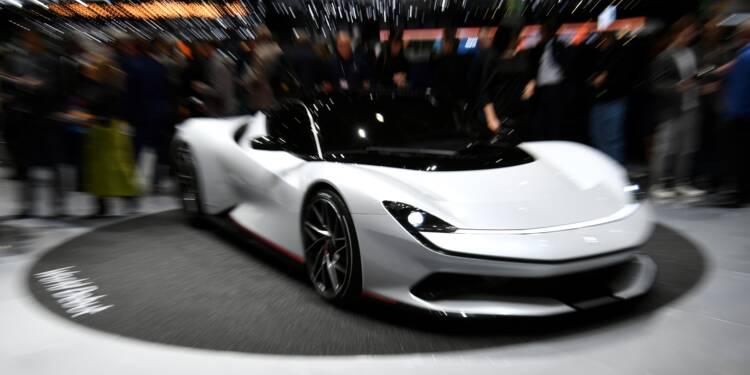 """Du """"bling-bling"""" aux """"hypercars"""": à Genève, le luxe automobile sans limite"""