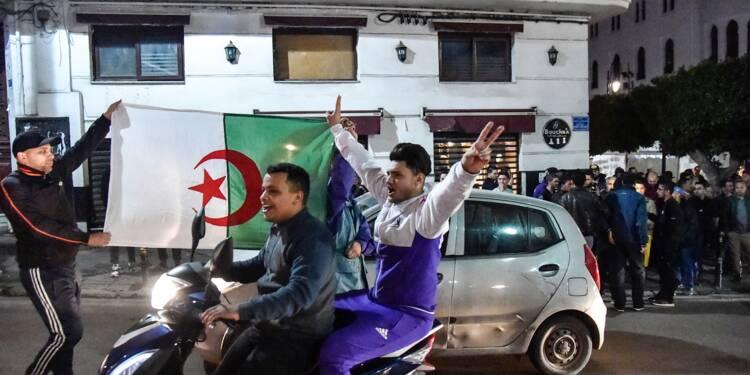 Algérie: Bouteflika renonce à un 5e mandat et reporte la présidentielle