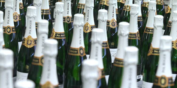 """Brexit: les maisons de champagne en mode """"stock and see"""""""